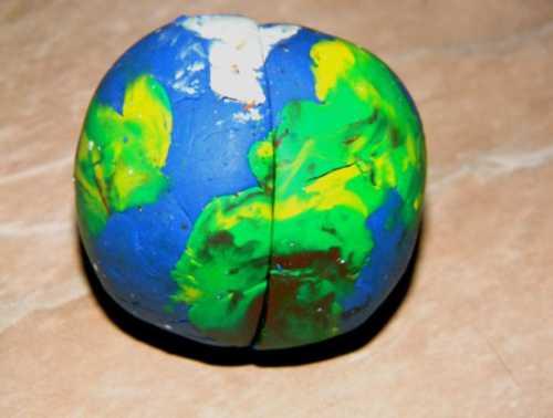 Изготовление земли из пластилина своими руками